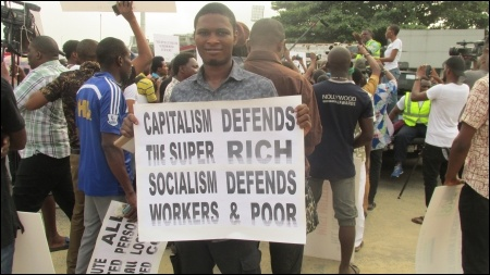 Capitalism Defends the Rich! Socialism Defends the Poor!- photo DSM