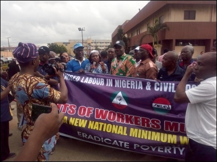 Labour leaders and protesting Lagos workers - photo DSM